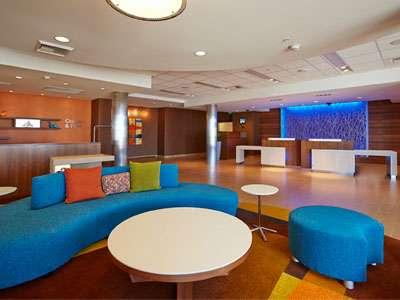 Fairfield Inn & Suites' lobby in Tustin