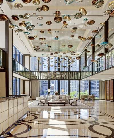 The langham chicago opens hotel business for Hotel decor chicago