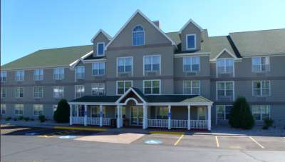 The Best Western Plus Spirit Mountain Duluth offers 69 guest rooms.