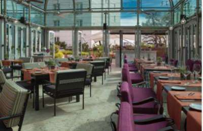 Nuestro Secreto offers an indoor/outdoor eating space at Four Seasons Hotel Buenos Aires.
