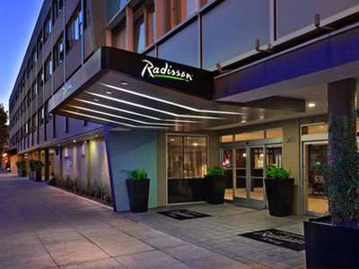 HNA Group has agreed to sell its stake in Radisson.