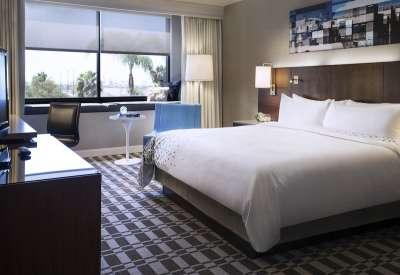 Renaissance Long Beach Hotel guestroom