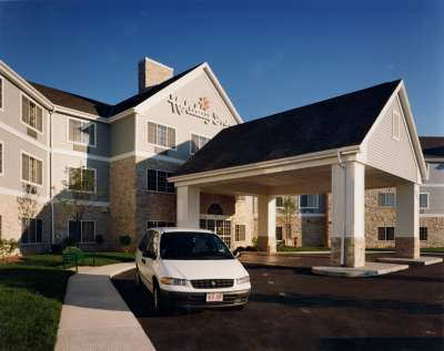 Waramaug Hospitality recently acquired the Holiday Inn & Suites Milwaukee Airport.