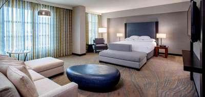 Hyatt Regency La Jolla unveils redesigned guestrooms and suites.