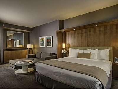 Loews Hotels & Resorts acquires InterContinental Chicago O'Hare Hotel.