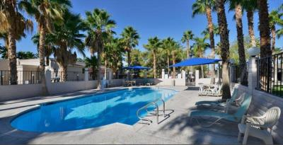 The Best Western Pahrump Oasis offers two pools.
