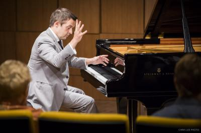 Concert pianist Simon Mulligan plays on Steinway & Son's Spirio piano