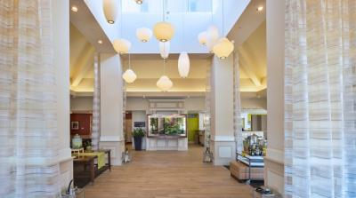 Hilton Garden Inn Philadelphia/Ft. Washington lobby