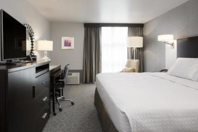 Guestroom at Crowne Plaza Chicago SW