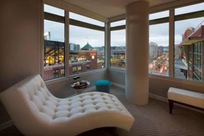 Hotel Via guestroom