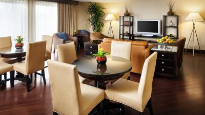 Club Lounge at the Sheraton Milwaukee Brookfield Hotel
